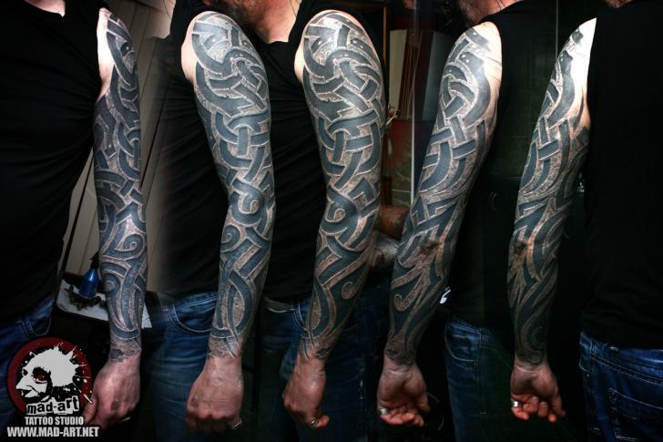 Tracery Tribal tatoo sleeve by Mad-art Tattoo