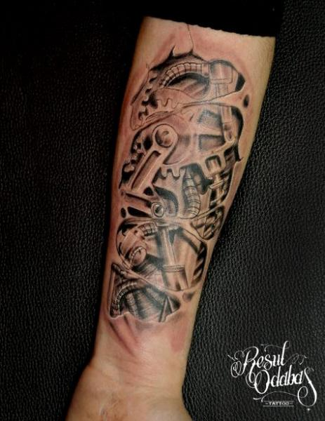 Arm Cogwheels and Pistons Biomechanical tattoo by Resul Odabaş