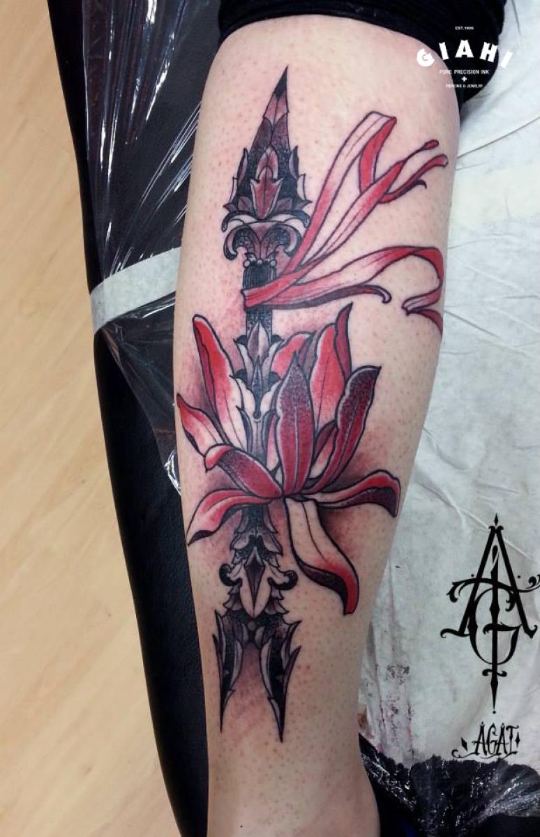Arrow Flower tattoo by Agat Artemji