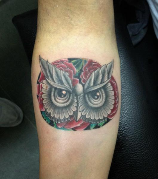 Flower Eyes Owl tattoo by Resul Odabaş