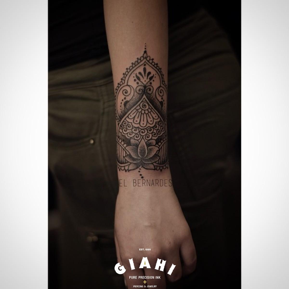 Flower Mehendi Dotwork tattoo by Elda Bernardes