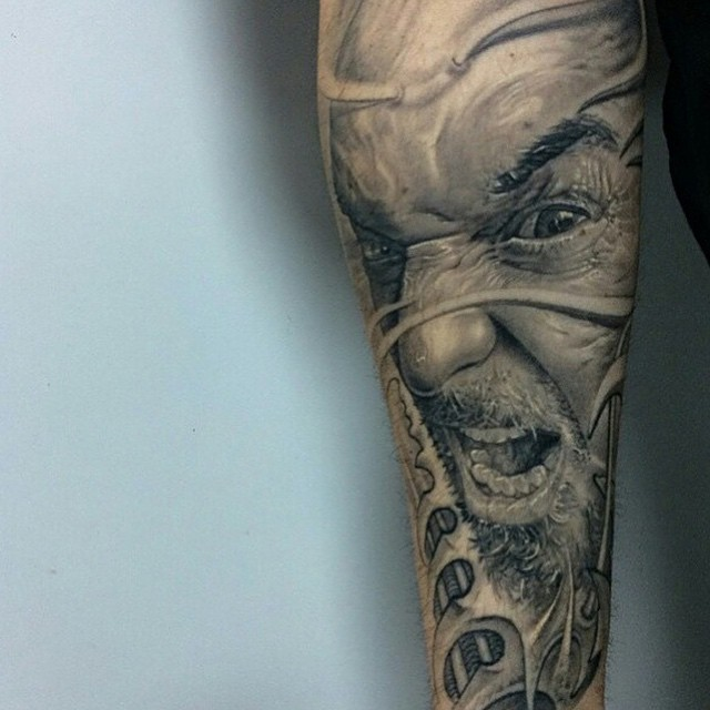 Graphic Warface tattoo