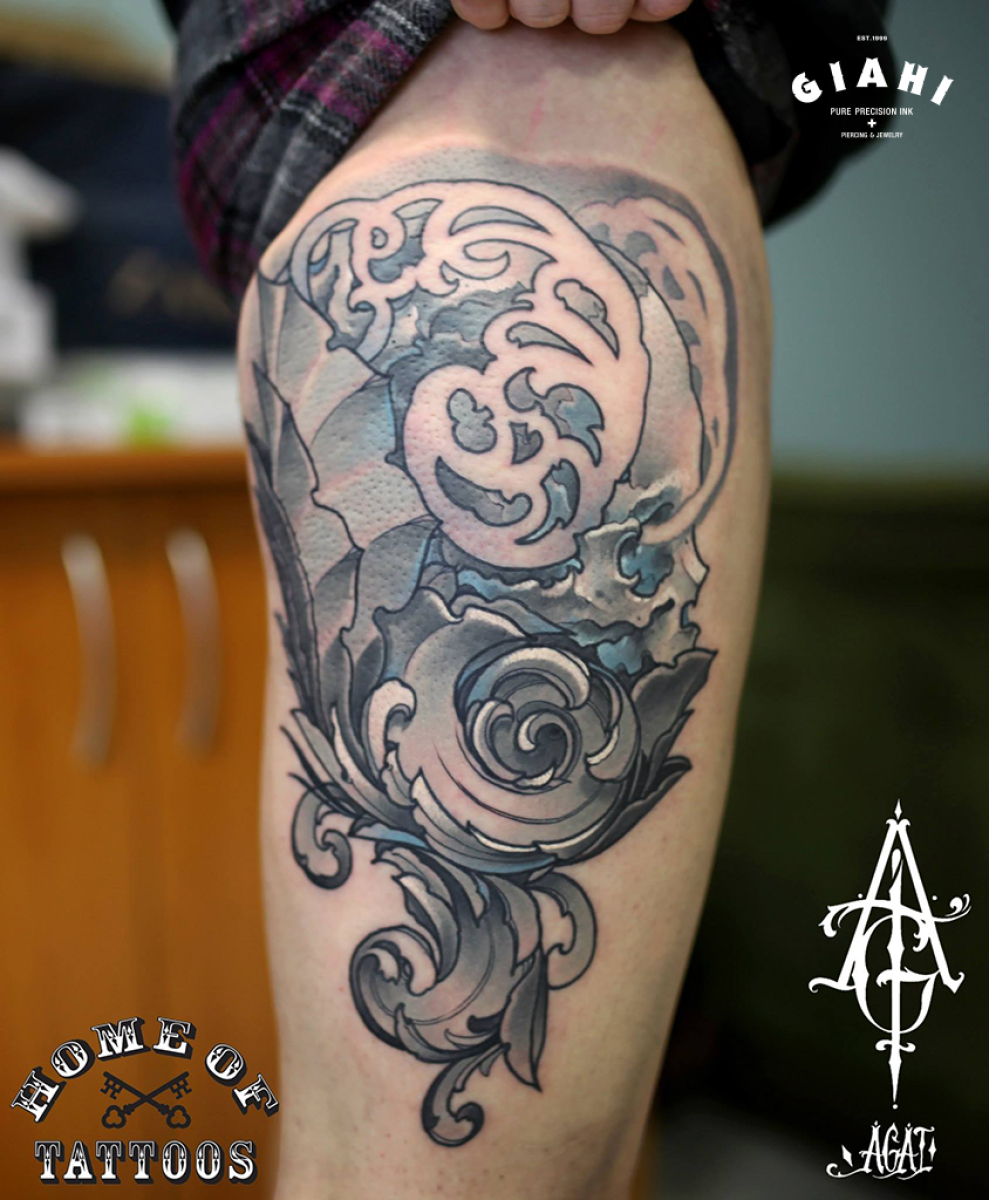 Grey Heraldic Leaves Skull tattoo by Agat Artemji