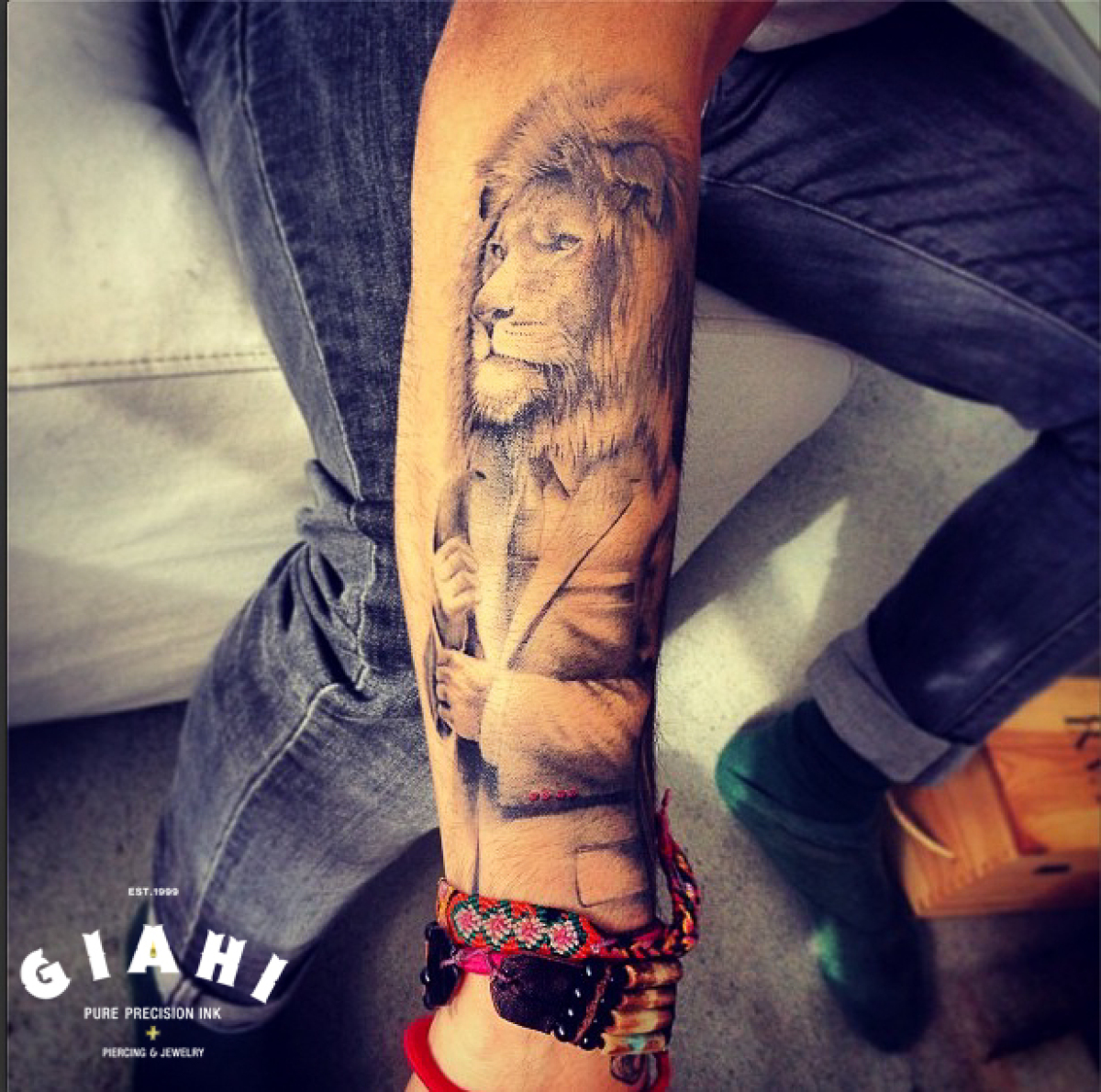 Jacket Lion Graphic tattoo by Roony