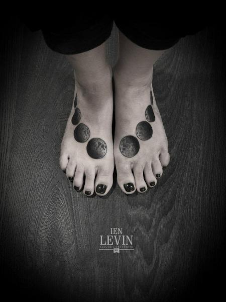 Moon Phases Feet tattoo by Ien Levin