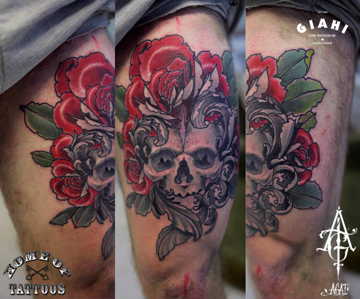 Red Fower Skull tattoo by Agat Artemji