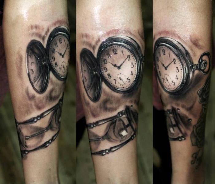 Time Clocks Realistic tattoo by Georgi Kodzhabashev