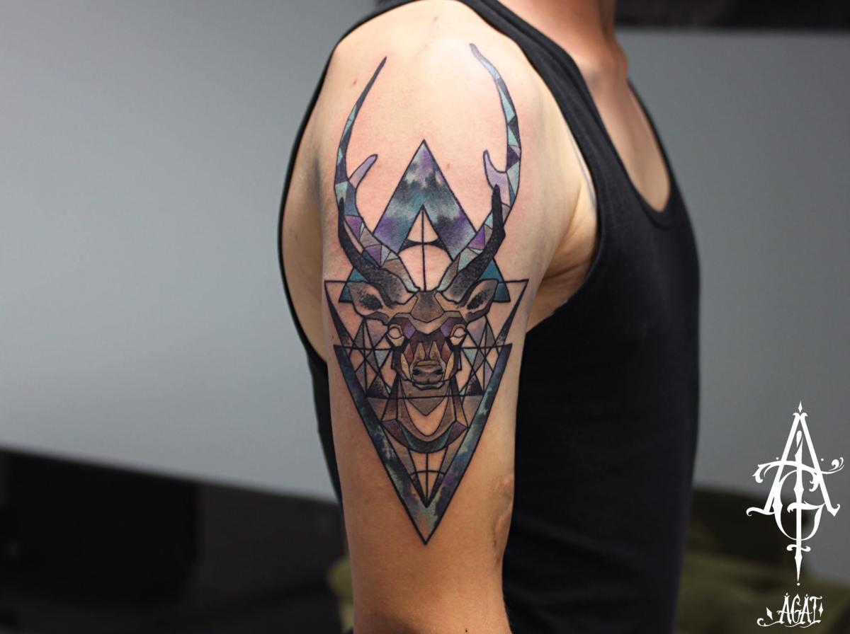Triangles Buck tattoo by Agat Artemji