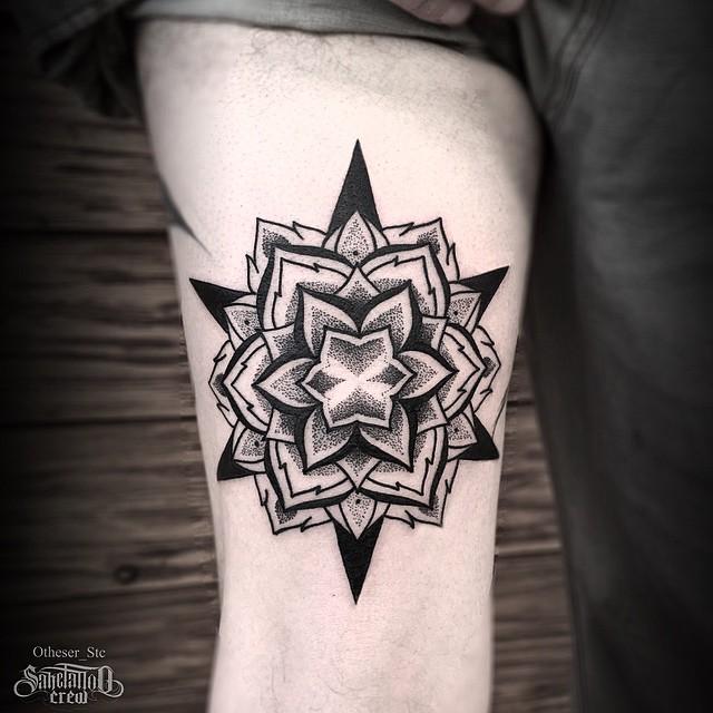 Dotwork Star Flower Thigh tattoo