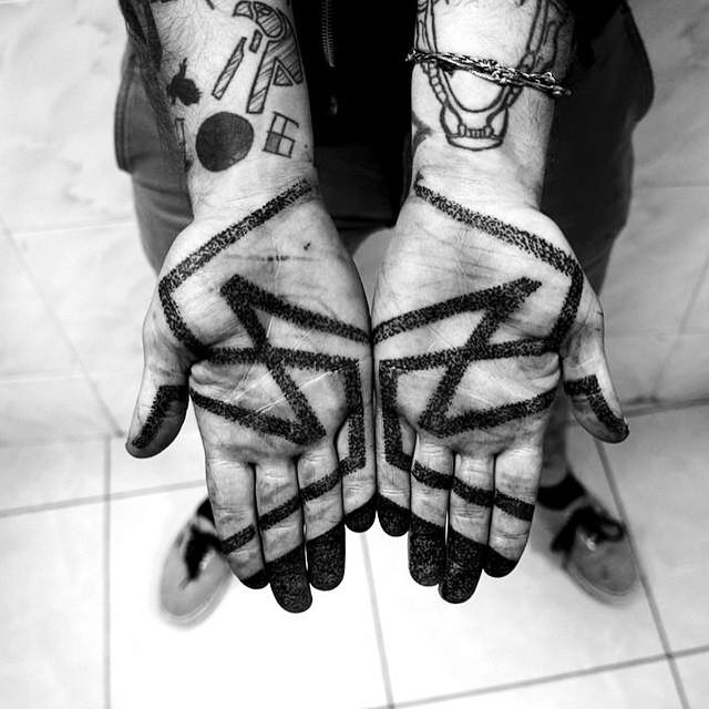 Dotwork Zig Zag tattoo on Palm