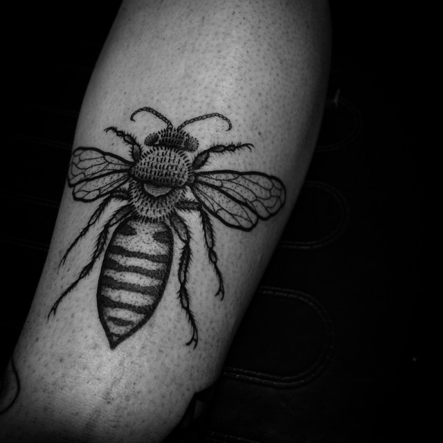 Leg Graphic Bee tattoo
