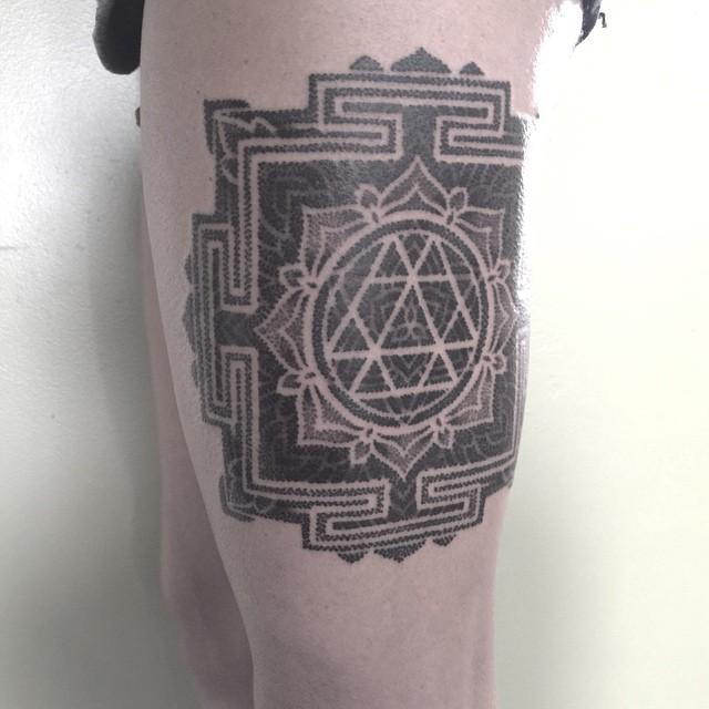 Thigh Geometry Mandala Tattoo