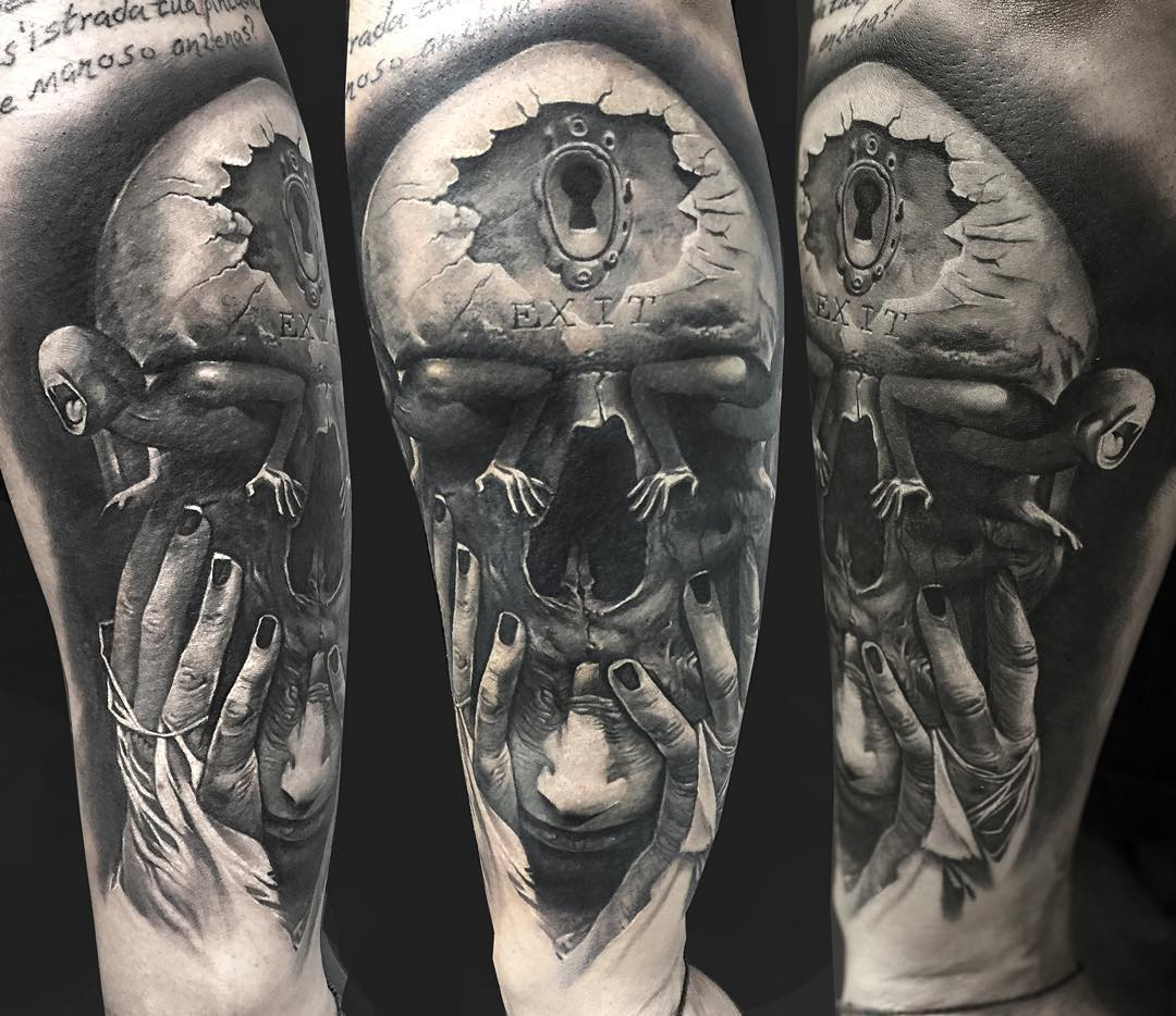 shoulde abstract tattoo with a 3D effect - black and grey tattoo