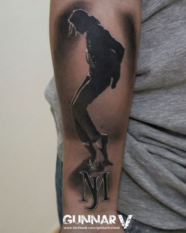 tattoo silhouette of Michael Jackson