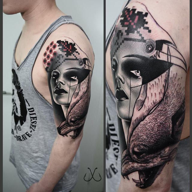 man tattoo shoulder abstraction
