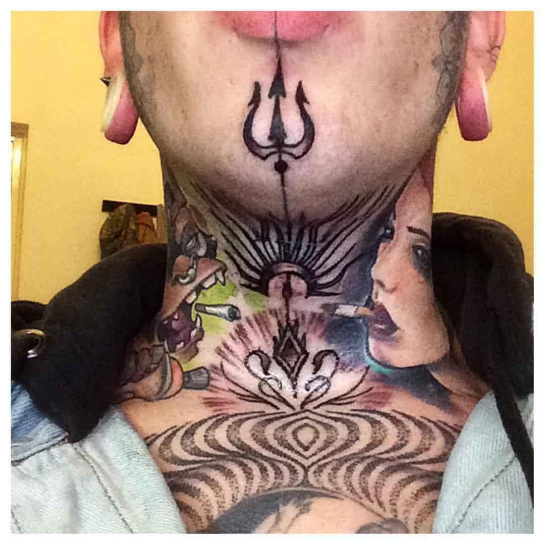 Trident Tattoo on Chin by sandervalentijn
