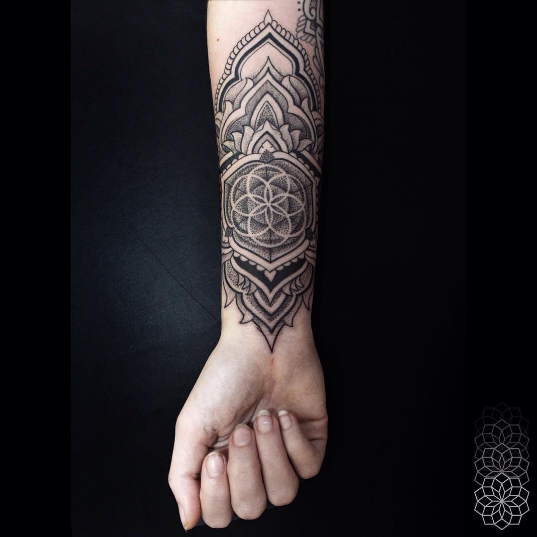 dotwork tattoo innre wrist and forearm