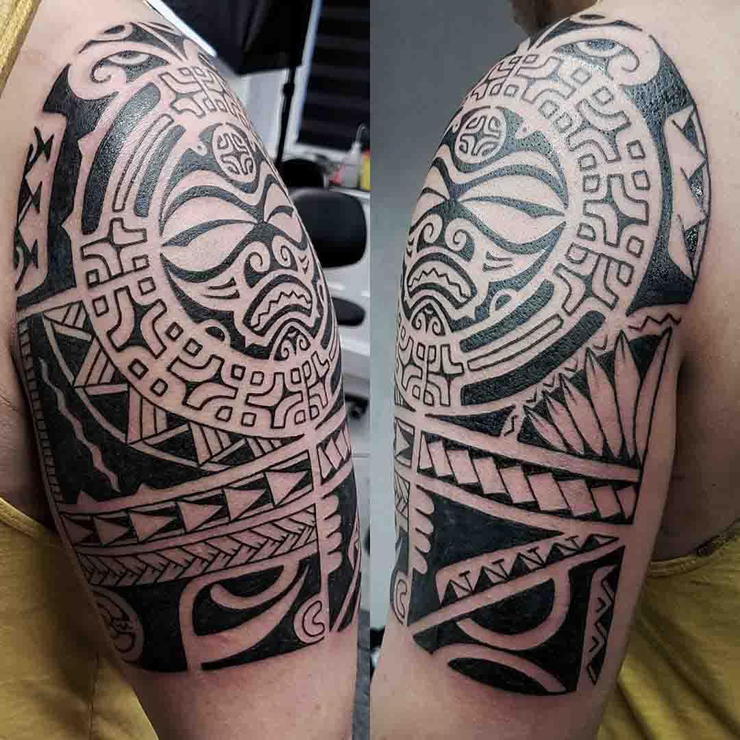 polynesian tattoo on shoulder