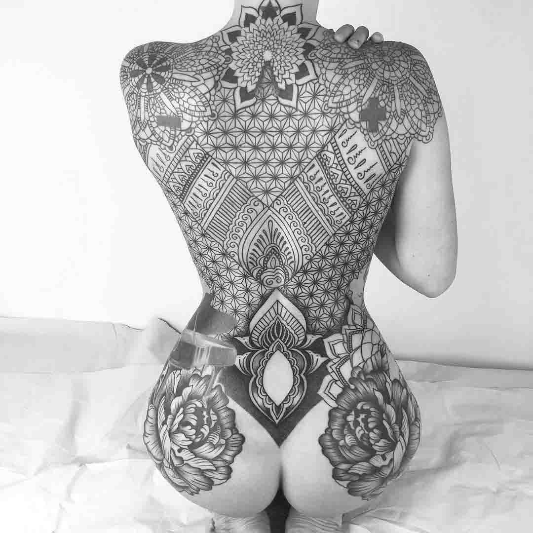 ornamental back tattoo for girl