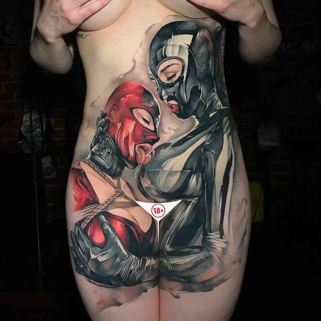 tattoo of realistic girl couple