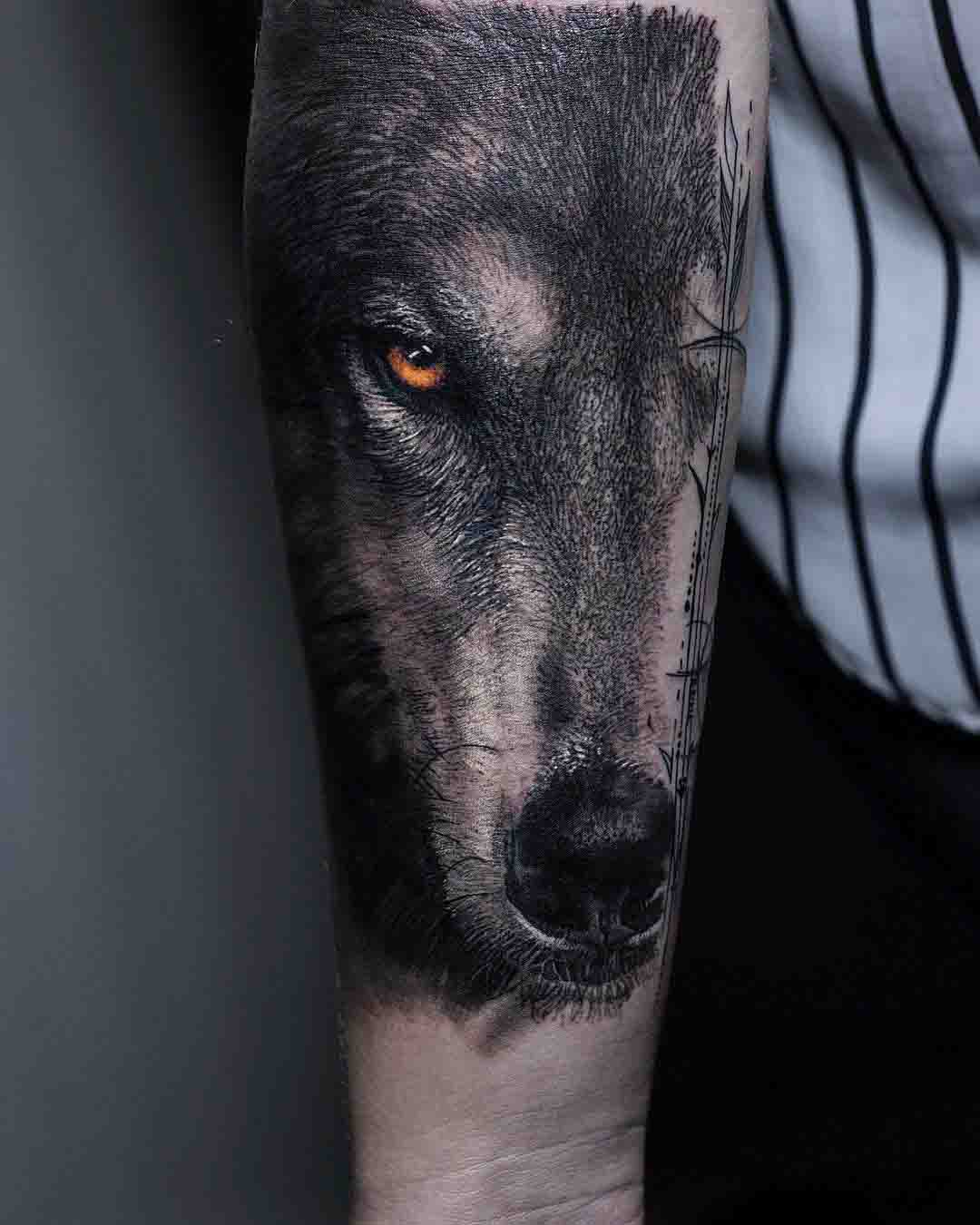 arm t5attoo realistic style