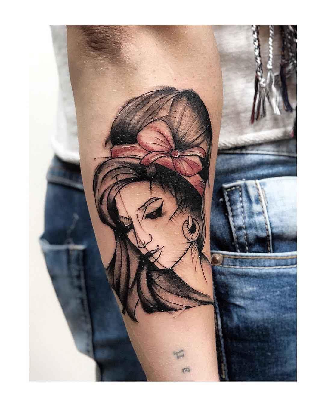 arm tattoo amy winehouse portrait