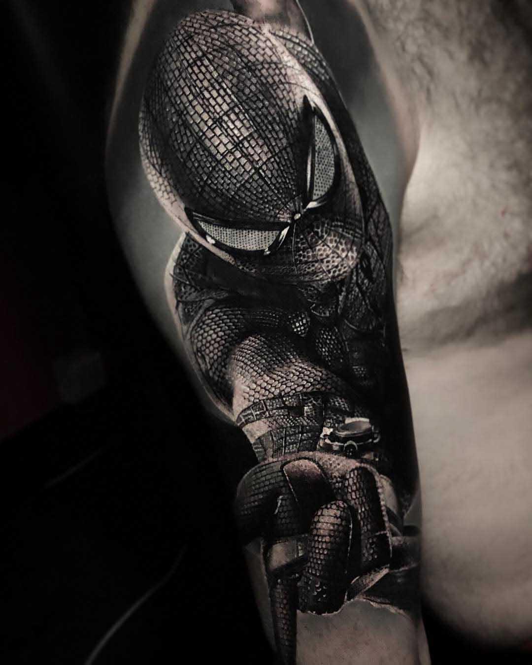 realistic spiderman tattoo