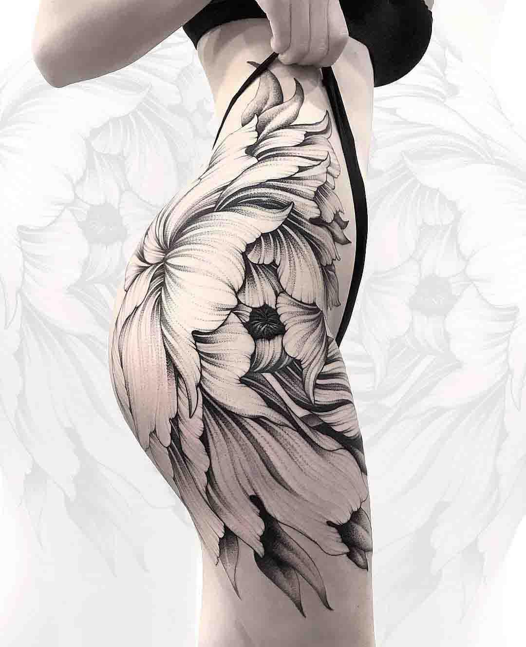 hip tattoo big flower
